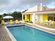 HOLIDAY IN ALGARVE FOR LARGE FAMILIES - VILLA V4 WITH POOL (ALBUFEIRA)